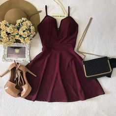 Pin by peran helen on clothes in 2019 vestidos, vestidos cor Cute Prom Dresses, Trendy Dresses, Dance Dresses, Homecoming Dresses, Teen Fashion Outfits, Fashion Dresses, Burgundy Dress, Dress Black, Mode Inspiration