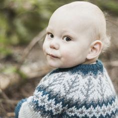 Ravelry: Emblajakke/ Emblas Jacket pattern by Tina Hauglund Jacket Pattern, Boy Or Girl, Knitting Patterns, Kids, Design, Ravelry, Craft Ideas, Threading, Young Children