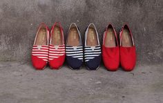 TOMS Paseos are the perfect everyday shoe. Cl Shoes, Toms Shoes Outlet, Everyday Shoes, Sunglasses Online, Junior Dresses, Shoe Sale, Fashion Shoes, High Fashion, Basketball Shoes