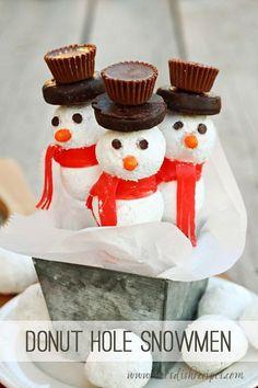 Donut Hole Snowmen are a fun, festive treat for the holiday season. #recipe