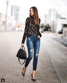 40 Flawless Winter Outfits For Date Night ~ Fashion & Design - Women Outfits Black Lace Top Outfit, Lace Top Outfits, Black Dress With Heels, Black Lace Tops, Black Pumps, Winter Date Night Outfits, Date Night Fashion, Date Outfits, Cruise Outfits