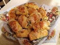 Medvehagymás tekercs Potatoes, Kitty, Vegetables, Food, Little Kitty, Potato, Kitty Cats, Essen, Vegetable Recipes