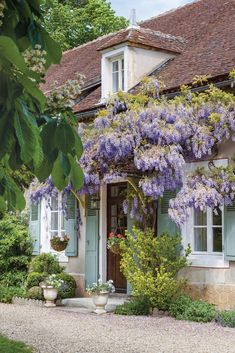 5 Tips for Trendy Home Decor on a Budget - Sweet Home And Garden French Country Cottage, French Country Style, French Country Decorating, Rustic Style, Romantic Cottage, Rustic Decor, French Cottage Garden, Country Cottages, French Countryside