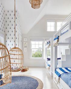 Strandhaus de estilo Hamptons en Amagansett New York Built In Bunks, Built In Bed, Bunk Rooms, Boys Bunk Bed Room Ideas, Kids Bedroom Ideas, Kids Rooms Decor, Kids Bedroom Boys, Cool Kids Bedrooms, Kids Bedroom Designs