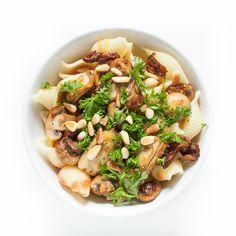 Falls euch der Artikel gefallen hat, gerne weitersagen! Das könnte dir auch gefallen Champignon Bourguignon herbstliche Pilz-Bolognese mit Strozzapreti vegane Linsenbolognese