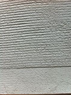 Mit Struktur ans Werk. Das wegweisende Forum für Architekten, Planer und verarbeitende Unternehmer visualisiert die Thematik der mineralischen, strukturierten Putzoberflächen und Farbspektren. Die Oberflächenstruktur als prägendes Element der Architektur eröffnet unendliche Gestaltungsmöglichkeiten der räumlichen Fassade. Broschüre downloaden : ARCH_D_Mineralische Deckputze2013(…