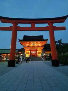 Fushimi Inari Taisha Shrine, Kyoto. Japan Itinerary- 7 or 10 Days! - Have Seat Will Travel