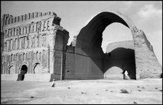 Inge Morath © The Inge Morath Foundation IRAQ. Near Baghdad. 1956. Ruins of the Palace of Ctesiphon.