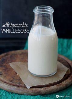 selbstgemachte Vanillesoße - einfaches Rezept für selbstgemacht Vanillesoße für Kuchen, Eis und Desserts