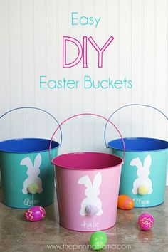 Everyone in your family will appreciate these customized pails, which you can design to feature their favorite colors and their names in beautiful script.  Get the tutorial at The Pinning Mama.