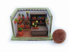 Miniature dollhouse micro mini florist shop. €60,00, via Etsy.