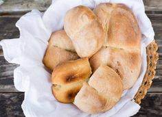 Step by step Marraquetas Chilean Bread recipe. Chilean Bread Recipe, Chilean Recipes, Chilean Food, Bread Recipes, Snack Recipes, Snacks, Recipe Mix, Instant Yeast, Recipe Images