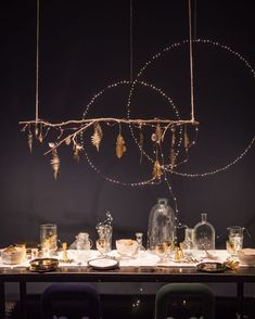 60 Extraordinary Winter Table Decoration You Can Make. Whether it be wedding table settings, black tie or prom, how to dress a table is an important detail to get right and it needn't cost you the e. Noel Christmas, Christmas Crafts, Christmas Lights, Christmas Tables, Holiday Tables, Scandinavian Christmas, Christmas Wreaths, Xmas Decorations, Wedding Decorations