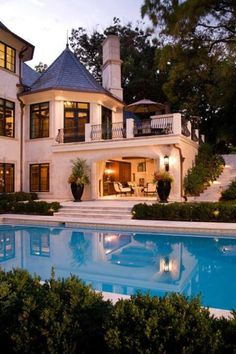 Yess please! I love the open outdoor space, the huge windows, and of course, the pool - Dream Homes Villa Plan, Style At Home, Dream Homes, My Dream Home, Future House, My House, Huge Windows, House Goals, Home Fashion