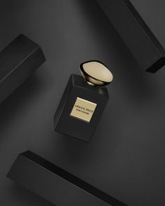 Perfume - Flowerbomb by Viktor & Rolf, Rose D'Arabie by Armani Privé Photos by nikmirus Set Design by Oliver Stenberg