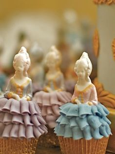 Marie Antoinette wedding style  Marie Antoinette cupcakes, Rosalind Miller cakes  Little celebratory cupcakes with their celebratory dresses on!