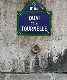 Le quai de la Tournelle (Paris 5ème). One of my favorite spots in Paris!