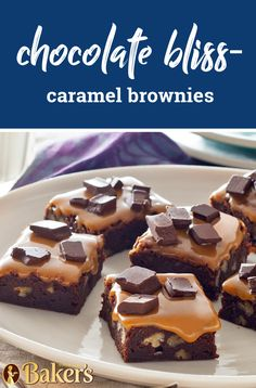 Chocolate Bliss-Caramel Brownies – Become the next potluck hero with these ooey-gooey caramel brownies that are crowned with chunks of chocolate. We hope you're ready for the compliments with this delicious dessert recipe. Brownie Recipes, Chocolate Recipes, Cookie Recipes, Dessert Recipes, Easy Desserts, Delicious Desserts, Shortbread Cake, Caramel Brownies, Cookie Brownie Bars
