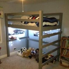 Free Woodworking Plans to Build a Twin Low Loft Bunk Bed - The Design Confidential Loft Bed Diy Plans, Build A Loft Bed, Loft Bunk Beds, Bunk Bed Plans, Low Loft Beds, Murphy Bed Plans, Loft Twin Bed, Custom Bunk Beds, Kura Bed