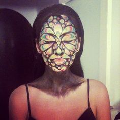 Do you like this beautiful stage makeup idea?