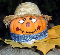 scare crow pumpkin  | Scarecrow Pumpkin | Flickr - Photo Sharing! Halloween Porch Decorations, Halloween Crafts For Kids, Fall Crafts, Halloween Pumpkins, Fall Halloween, Holiday Crafts, Halloween Halloween, Vintage Halloween, Halloween Makeup