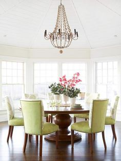 #Dining Room  Round tables are great in an informal dining area #simple #kitchen #remodel #renovate #NashvilleRealEstate #NealClaytonRealtors #decorating #design #interior www.nealclayton.com