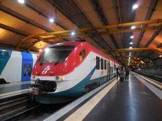 電車も赤と緑のイタリアンカラー