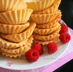 Spody do Babeczek - Przepis - Slodka Strona Asian Desserts, Mini Desserts, Cupcakes, Cake Cookies, Cookie Recipes, Dessert Recipes, Cake Decorating Piping, Cooking Cookies, Sweets Cake