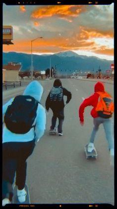 Skateboard Boy, Skateboard Videos, Friendship Video, Good Vibe Songs, Aesthetic Songs, Papi, Skateboarding, Skating, Indie