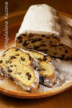 Christmas Stollen Recipe, Fruit Cake Loaf, Fruit Cakes, German Stollen, Christmas Cooking, Christmas Recipes, German Baking, German Cake, Xmas
