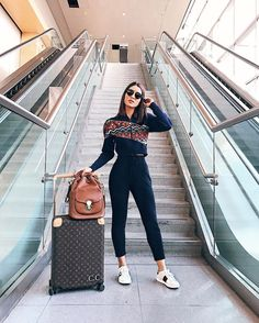 Roupas para viajar, roupas de aeroporto, looks aeroporto, looks para viagem, nah Airport Travel Outfits, Travel Outfit Summer, Airport Fashion, Travelling Outfits, Comfy Airport Outfit, Cute Travel Outfits, Airport Chic, Comfy Travel Outfit, Europe Outfits