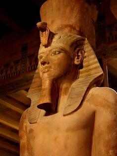 Tutankhamun Colossus