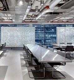 IMC   Jaar: 2013 / 2012   Locatie: WTC Amsterdam   Inrichting: Kantoor-, ICT-, Ontvangst- en Management meubelen   Ontwerp: C4ID Interieurarchitecten    Omschrijving: Optimalisatie van interieur, faciliteiten en installaties, waardoor een hedendaagse werkomgeving is gerealiseerd voor deze wereldwijd opererende organisatie op het gebied van Financial markets & Asset management.