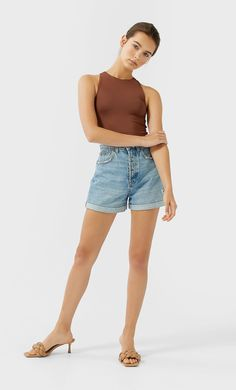 Body gola halter - Novo de mulher | Stradivarius Portugal Fashion Pictures, Body, Bermuda Shorts, Portugal, Ideias Fashion, Women, Latest Fashion, Woman, Women's