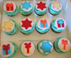 Star and Present Cupcakes to go with the Giggle and Hoot cupcakes