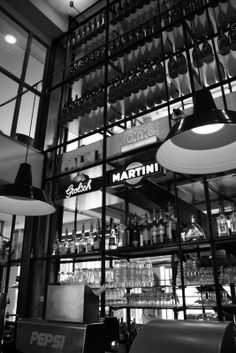 Love this: Café-Brasserie Dudok - Rotterdam Rotterdam Port, Cafe Black, Presentation Techniques, Coffee Places, Best Cities, Delft, City Life, Restaurant Bar, Netherlands