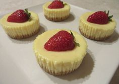 Sajttorta muffin Muffin, Mini Cupcakes, Cheesecake, Cooking Recipes, Cookies, Baking, Cup Cakes, Puddings, Strawberries