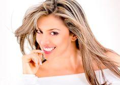 penteados de cabelos lisos com mechas loiras
