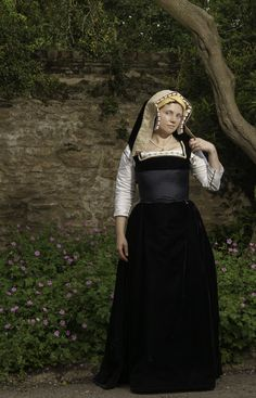 Katherine of Aragon gown 2014