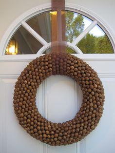 Make your own fall acorn wreath!