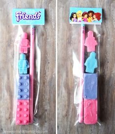 Create crayons in shapes as favors Lego Friends Cake, Lego Friends Birthday, Lego Friends Party, Lego Themed Party, Lego Birthday Party, Birthday Ideas, 5th Birthday, Birthday Parties, Girls Lego Party