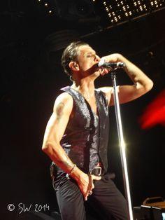 Dave Gahan of Depeche Mode, photo by Walkonbarefootforme on tumblr