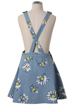 To find out about the Light Blue Daisy Floral Print Denim Dungaree Dress at SHEIN, part of our latest Dresses ready to shop online today! Teen Fashion Outfits, Mode Outfits, Classy Outfits, Outfits For Teens, Casual Outfits, Denim Dungaree Dress, Denim Dungarees, Frock Fashion, Fashion Dresses