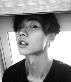 Boys Korean 💕 uploaded by ʀᴏᴄᴋs✞ᴀʀ on We Heart It Korean Boys Ulzzang, Cute Korean Boys, Ulzzang Boy, Korean Men, Cute Asian Guys, Hot Asian Men, Asian Boys, Cute Guys, Beautiful Boys