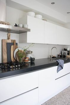 Modern Kitchen Interior Homes With Heart: Classical Modern Family Home Home Decor Kitchen, Kitchen Interior, New Kitchen, Kitchen Black, Kitchen Ideas, Kitchen Modern, Kitchen Paint, Kitchen Designs, Boho Kitchen