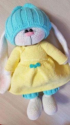 Crochet Dolls, Knit Crochet, Crochet Hats, Crochet Animal Patterns, Crochet Animals, Knitted Bunnies, Crochet Rabbit, Crochet For Kids, Teddy Bear