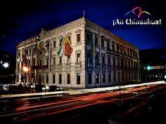 TURISMO EN CHIHUAHUA. El Palacio de Gobierno de la Ciudad de Chihuahua, se construyó entre los años 1882 y 1892 y es de estilo neoclásico. Los cuatro costados de su fachada fueron elaborados con cantera labrada dándole un realce único a esta edificación. En la planta baja, se encuentran murales pintados por el artista Aarón Piña Mora y que realizó entre 1959 y 1962. No puede dejar de conocer este edificio lleno de historia en el Centro Histórico de Chihuahua. www.turismoenchihuahua.com