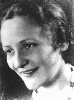 "Paula Salomon-Lindberg (Born: Germany, 1897 - Died: Amsterdam, 2000) : Charlotte's step-mother is Paulinka Bimbam in ""Life? or Theatre?""."