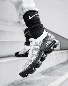 Nike VaporMax Latest Sneakers, Sneakers Nike, Jd Sports, Sports Shoes, Basket Nike, Nike Air Vapormax, Latest Shoe Trends, Dream Shoes, Kicks
