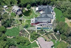 An aerial view of Barbra Streisand's home in Malibu Celebrity Mansions, Celebrity Houses, Rich Home, Million Dollar Homes, Barbra Streisand, Maine House, Grandma's House, My Dream Home, Dream Homes